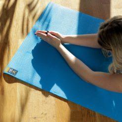 Yoga mat Light Blue pour pratiquer le Yoga en toute sécurité - Stelvoren