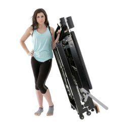 Le Reformer F2Folding Home Reformer de Align-Pilates apporte les bénéfices d'une séance d'entraînement sur unReformer Pilates à domicile. Iloffre une résistance douce et progressive