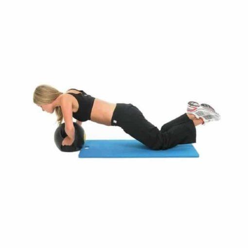 Ce tapis de gym est pratique grâce à sa poignée de transport et confortable car il est fabriqué avec une mousse EVA haute densité à mémoire de forme.