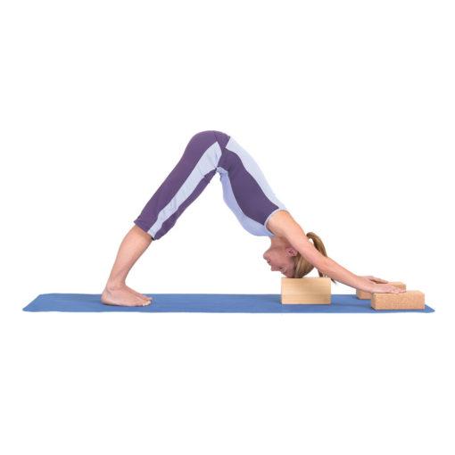 Posture avec brique de Yoga en liège Yoga-Mad