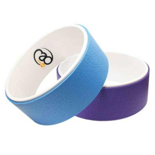 Utilisée pour les postures en extension en arrière, la roue de yoga épouse parfaitement la courbe naturelle de votre colonne vertébrale et vous aide avec l'étirement du dos