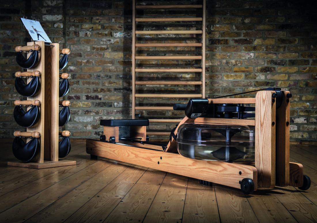le rameur waterrower stelvoren. Black Bedroom Furniture Sets. Home Design Ideas
