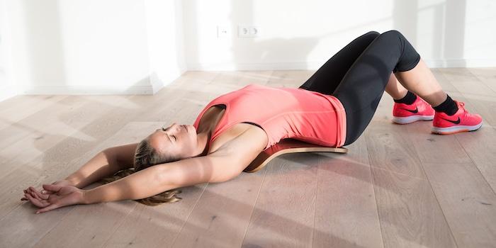 Etirement du dos avec le Back Stretch - STELVOREN