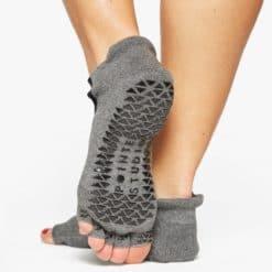 chaussettes antidérapantes Clean Cut Charcoal Grey pour le Yoga - Stelvoren